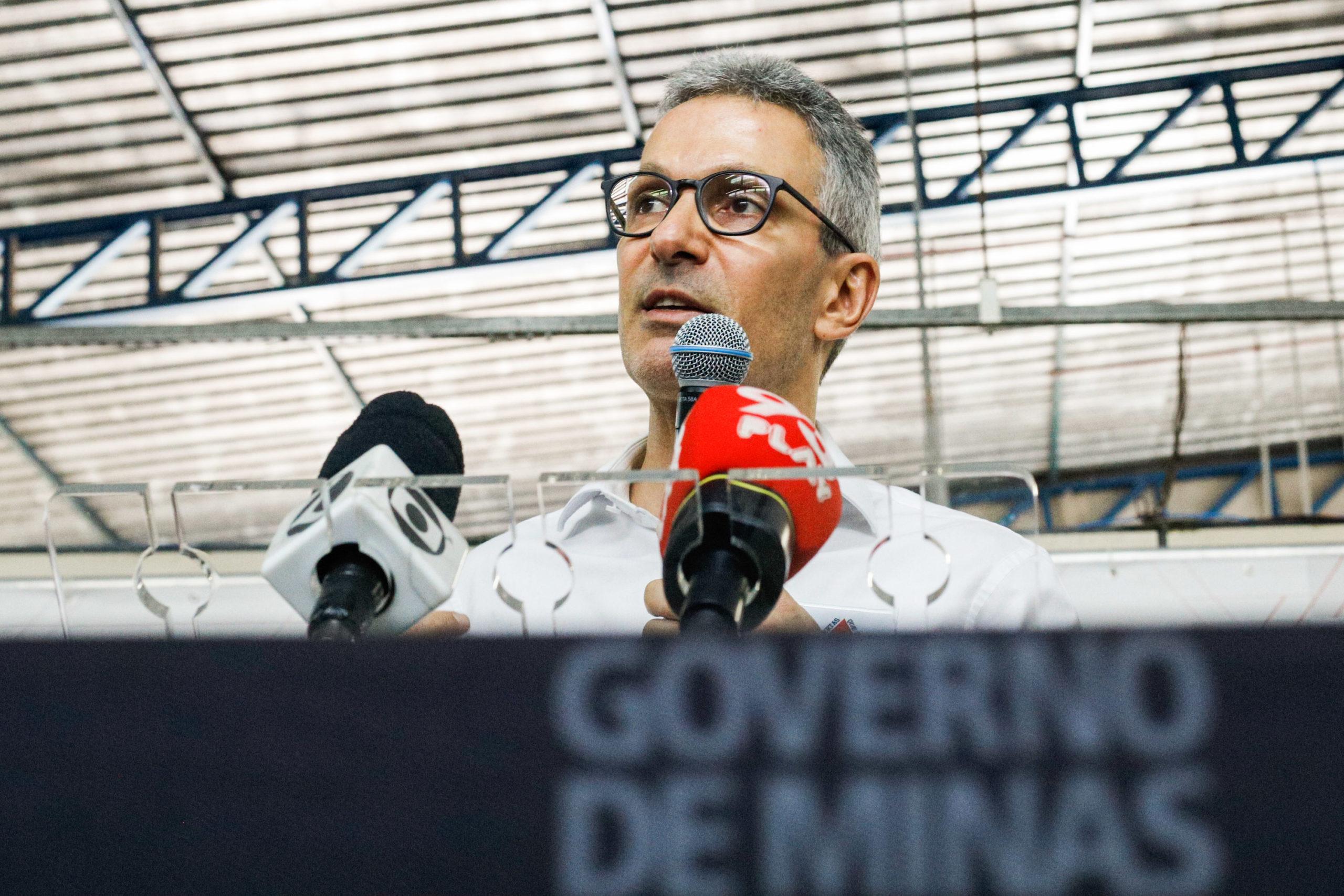 Romeu Zema anuncia plano de vacinação para coronavírus e afirma que Minas Gerais já comprou 50 milhões de seringas