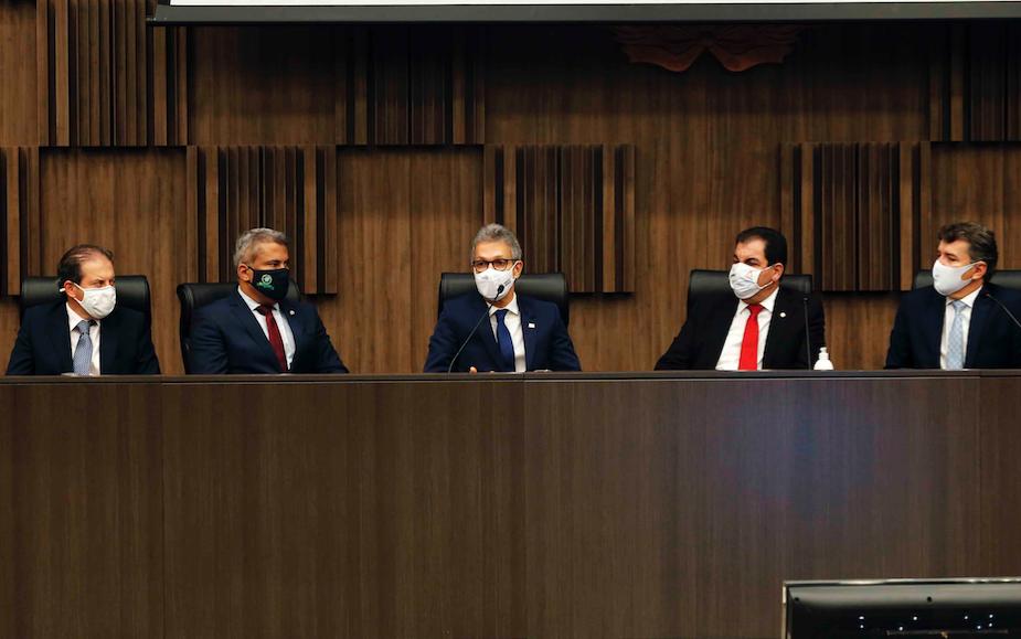 Romeu Zema assina portaria conjunta com TJMG, TCEMG e MPMG para retomada de obras paralisadas no estado